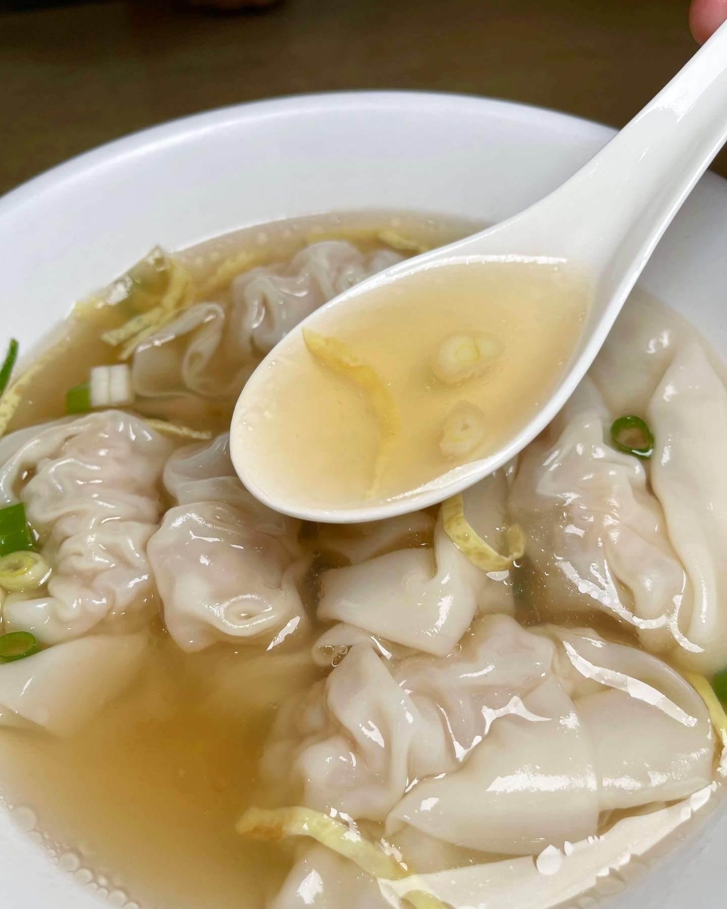蔡萬興蝦肉餛飩湯